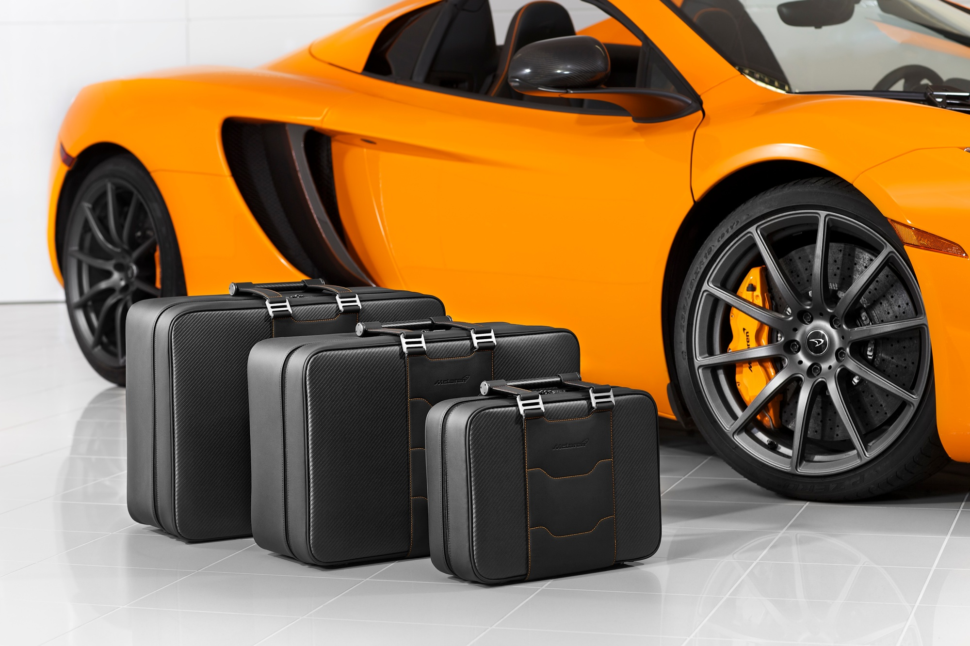 3 mclaren_automotive_merchandise021