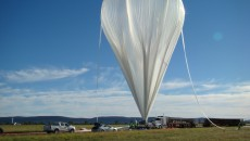 Inflation_of_the_balloon_with_helium
