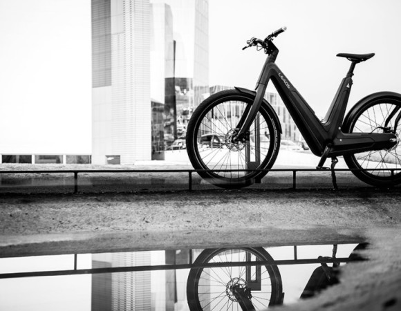 Leaos Urban Electric Carbon Fibre Bike