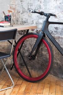 Vanhawks Introduce First Smart Carbon Fibre Bike