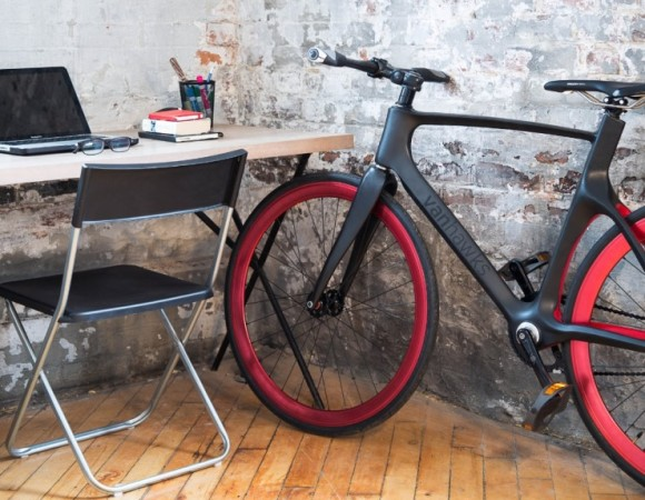 Vanhawks Introduce First Smart Carbon Fibre Bike
