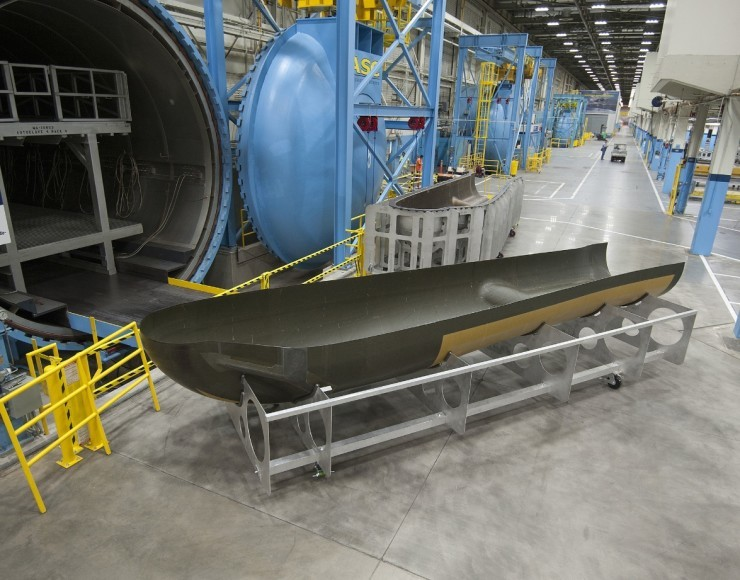 SNC and Lockheed Unveil First Dream Chaser Composite Structure
